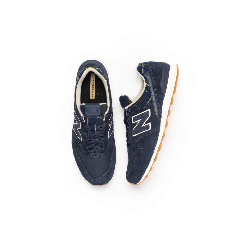 New Balance Women's 996 (Navy/White-Gum) - New Balance