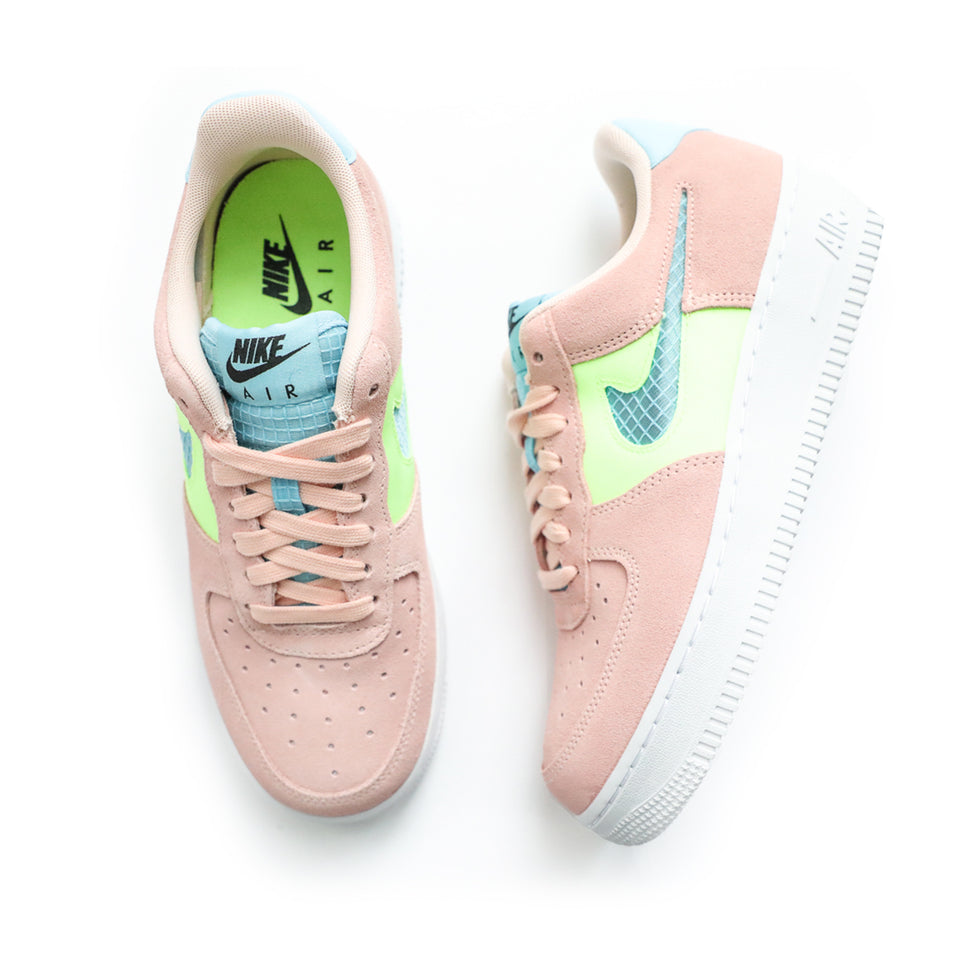 Nike Women's Air Force 1 '07 SE (Washed Coral/Oracle Aqua) - Women's Footwear