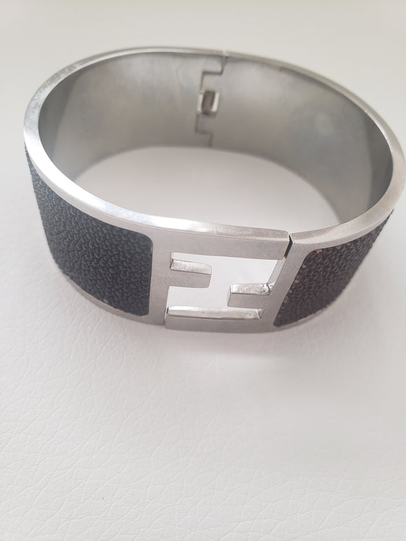 Fine Open Bangle (TF) - ebrook lael