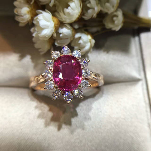 18K Gold 2.065ct Natural Ruby Women Ring with 0.513ct Diamond Setting