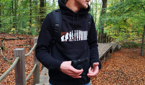 Sweat à capuche bio - hoodies Sambalou - Evolution - noir- photo sweat porté 1