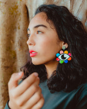 Load image into Gallery viewer, Florecita Lunera Earrings