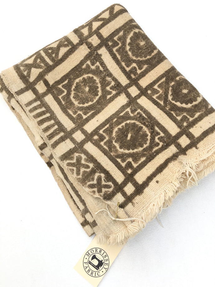 MUD CLOTH: THE ORIGINAL BOGOLAN FERMENTED MUD PRINTS