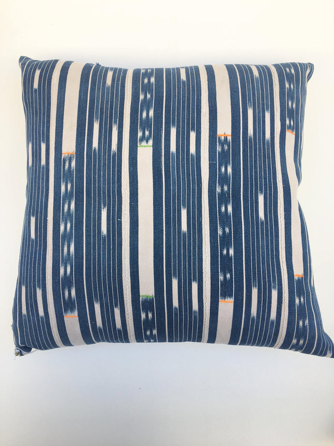 SALE! Mud Cloth Boho Pillow Cover, African Baule Cloth, Ikat Pattern. Vintage Bohemian style