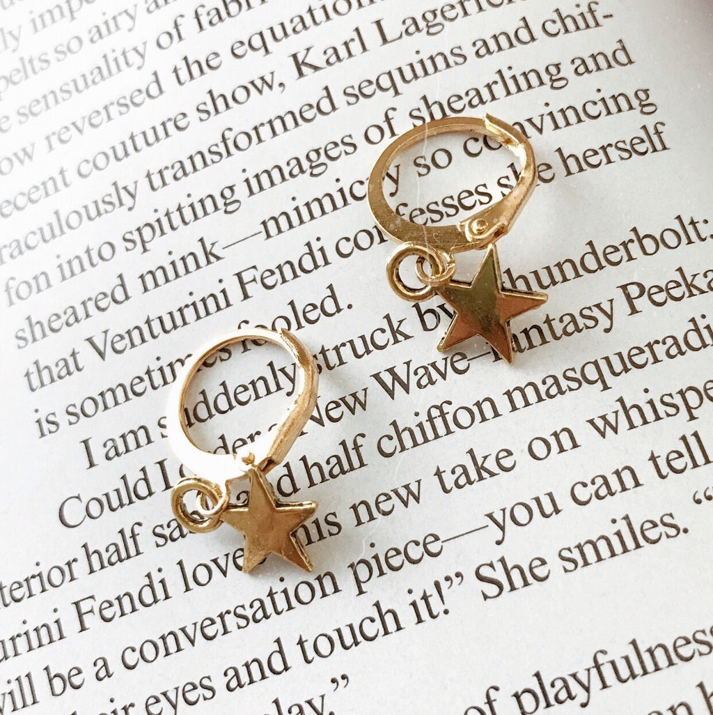 The Sirius Huggie Earring Set