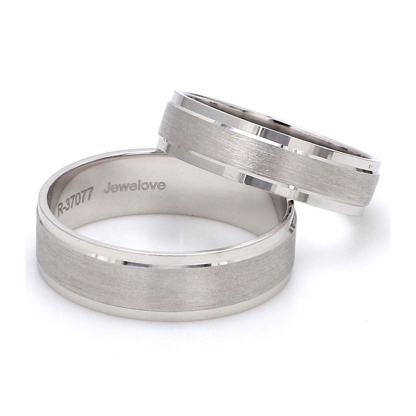 Side View of Classic Platinum Love Bands without Diamonds Men's Ring SJ PTO 104