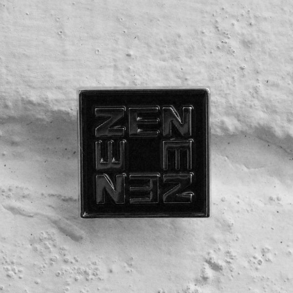 EDWIN Zen Pin Badge Black/Silver