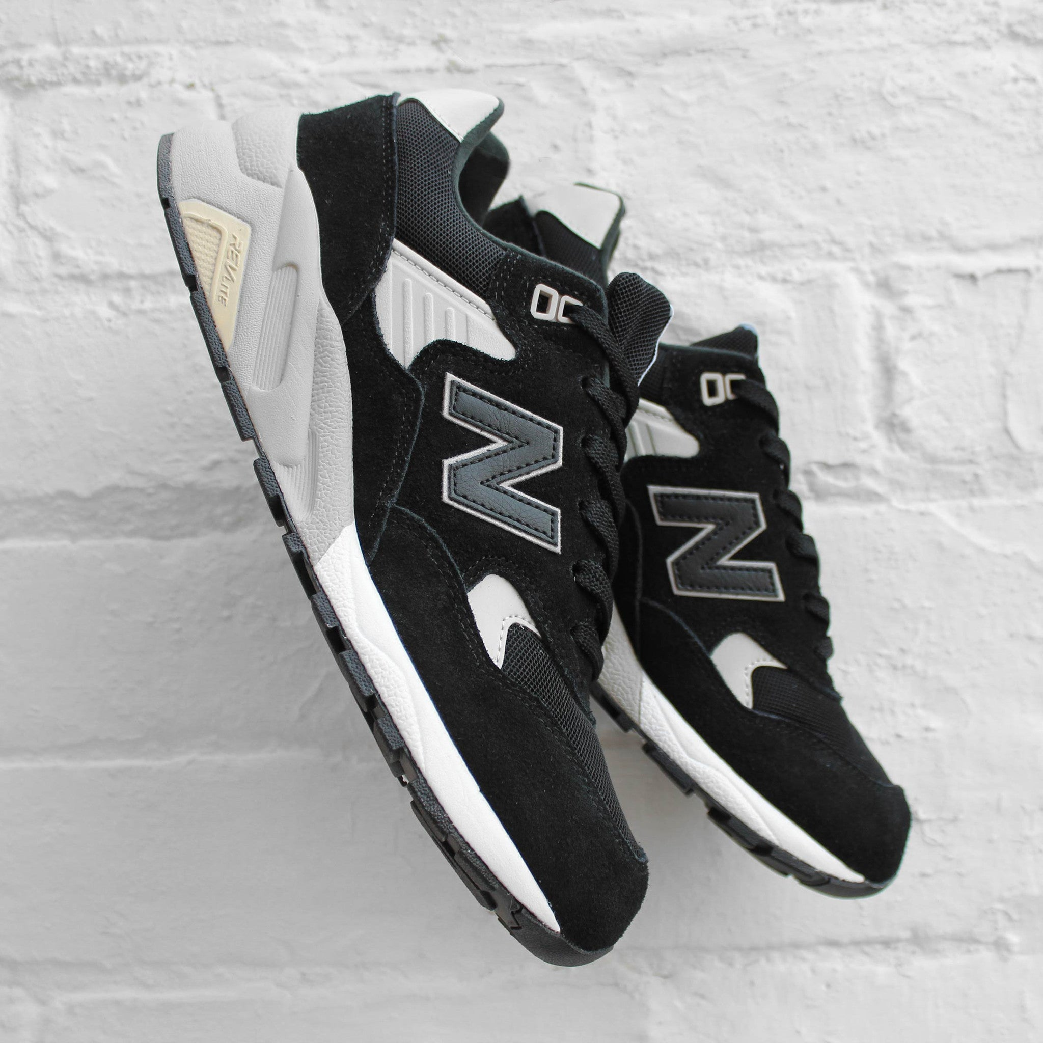 New Balance 580 Black/Grey MRT580BN
