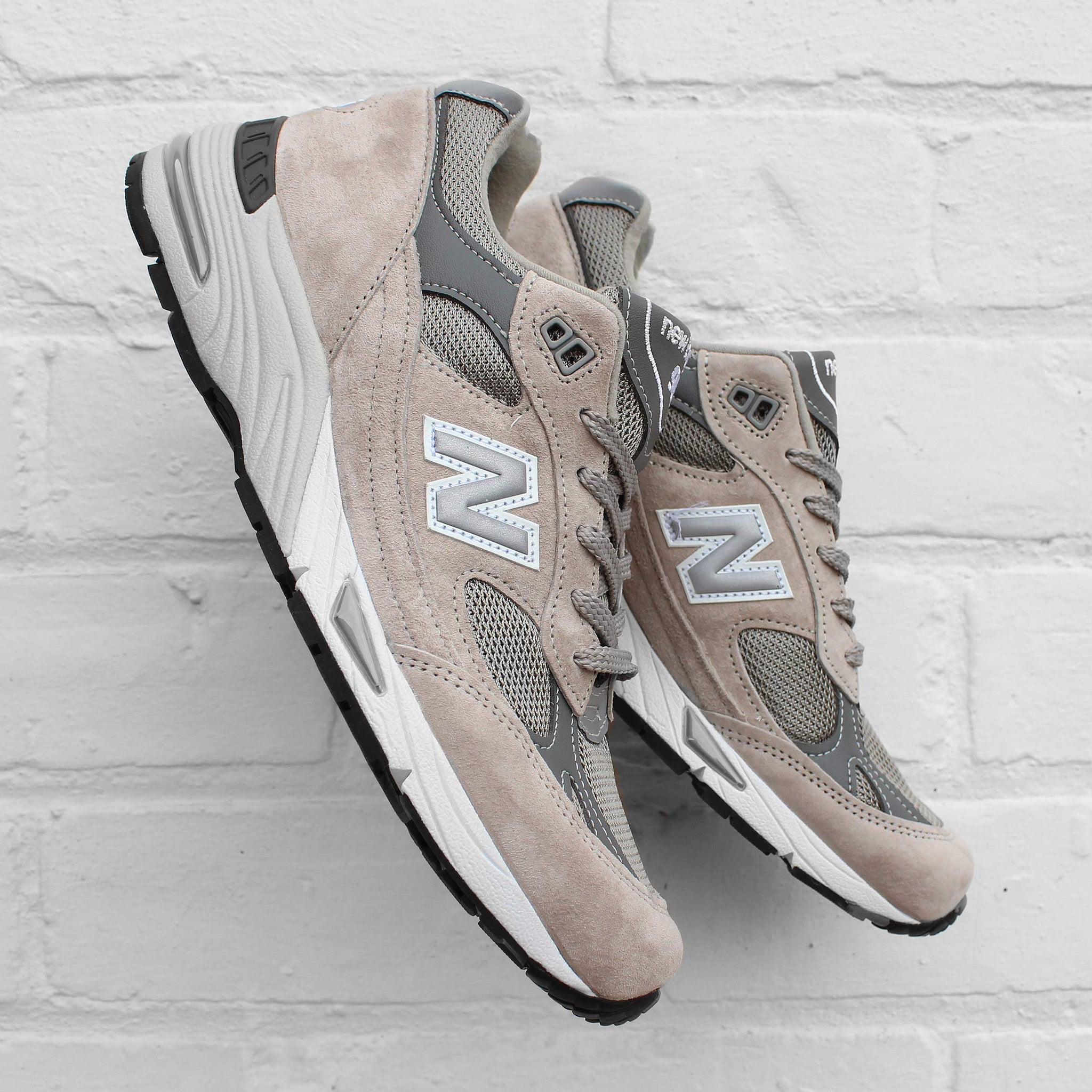 New Balance 991 Grey / Silver M991GL