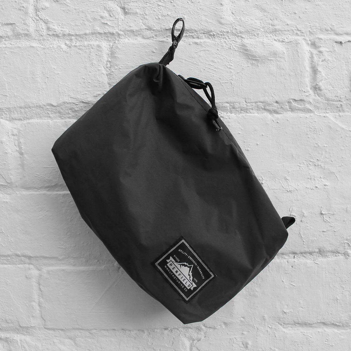 Penfield Reflective Danbury Wash Bag Black