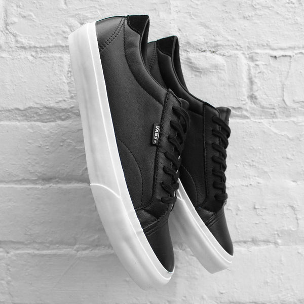 Vans Court (Leather) Black