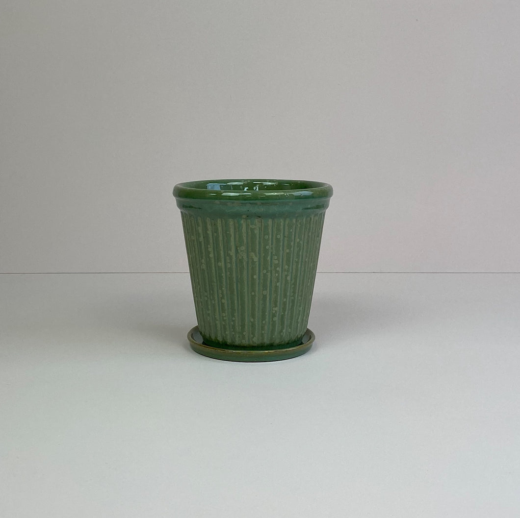 Medium Ribbed Pot & Saucer Green