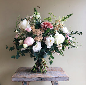 Home Flower School Lesson 3: Blush Bouquet