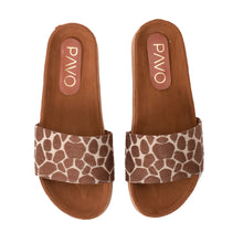 Load image into Gallery viewer, Giraffe Slippers -Code 5015
