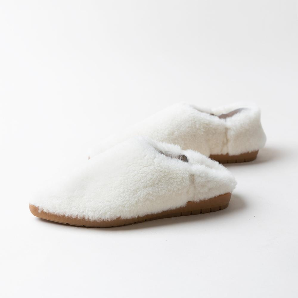 white fuzzy shoes for women