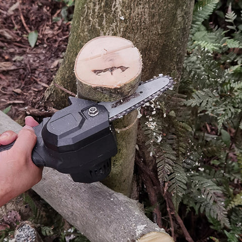 Rechargeable Portable Mini Electric Chainsaw
