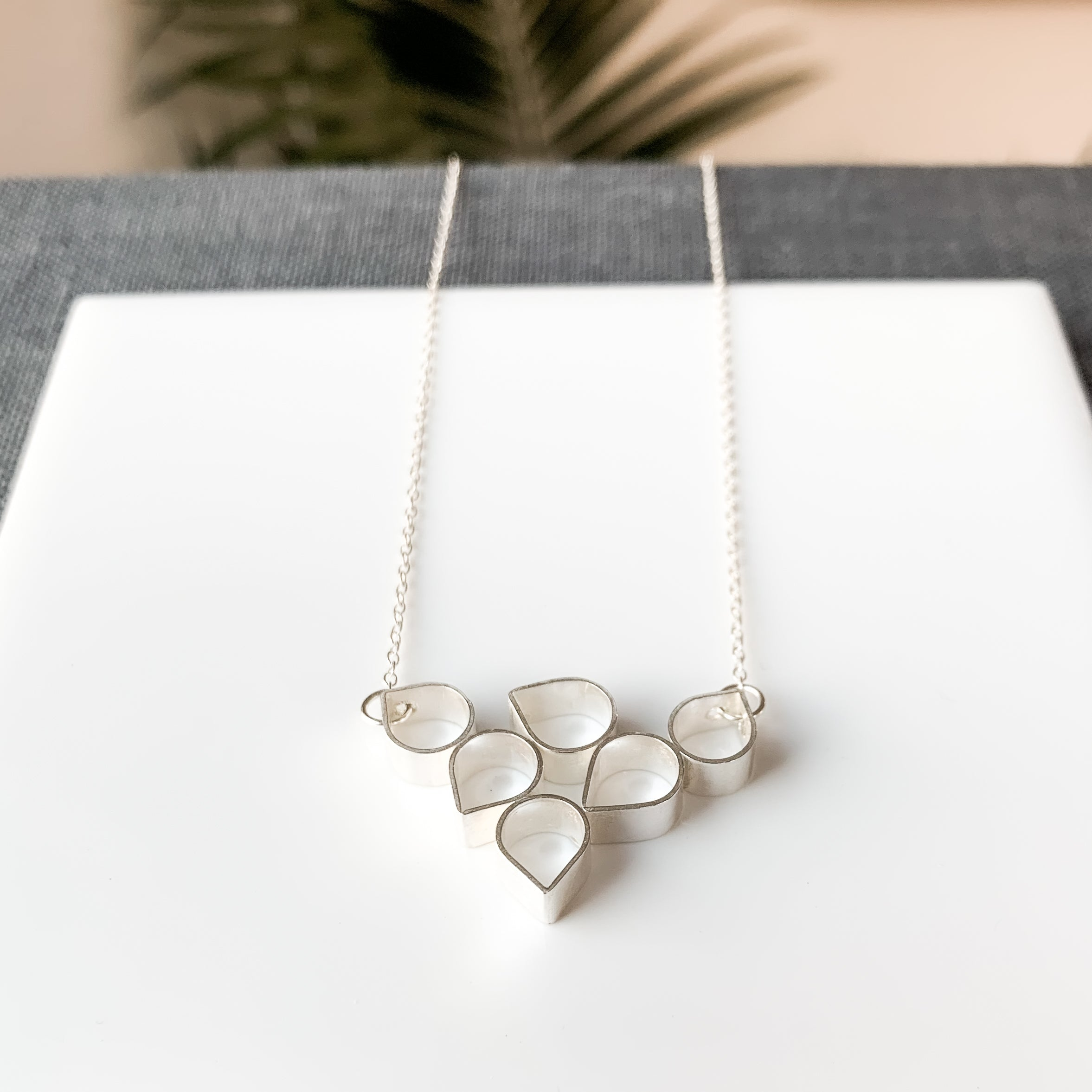 MINIMA - GOTA V - necklace (more options available)