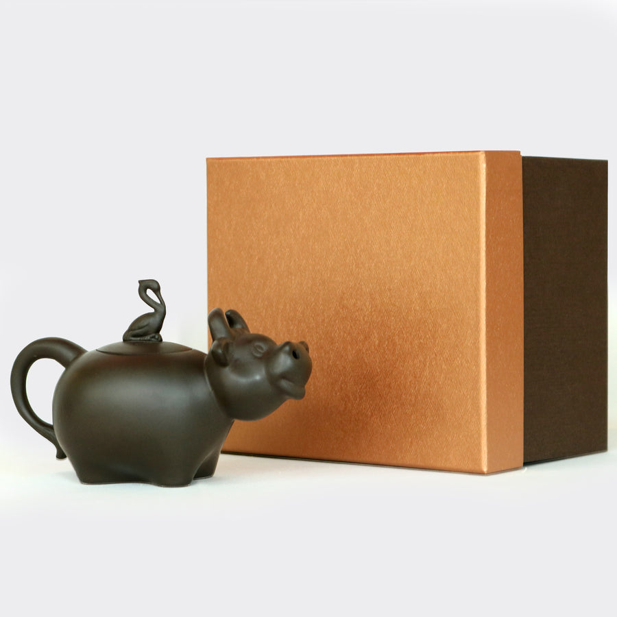 Black Lucky Ox Teapot (220ml)