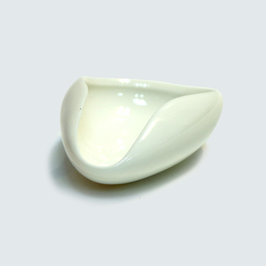 White Porcelain Tea Receptacle