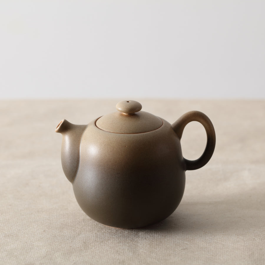 Lin's Ceramics Pot (450cc)