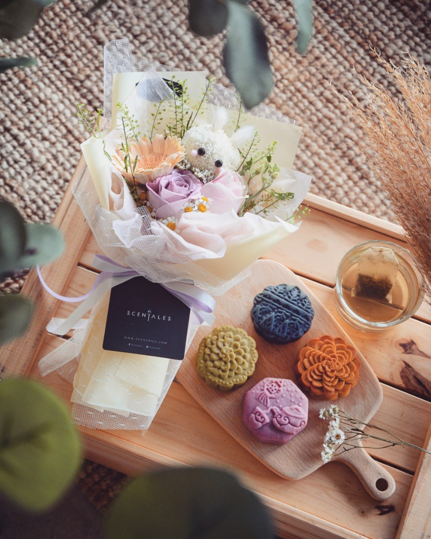 Limited Edition [Purple Cane X Scentales] 笨笨兔 Bun Bun Rabbit Flower & Mooncake Set