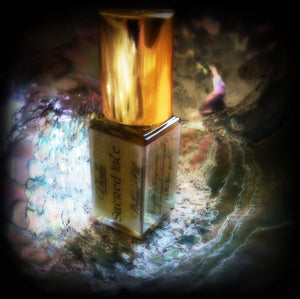 SACRED ISLE PERFUME OIL ~ All Natural ~ Apple Honey Jasmine Rose Oakmoss Black Agarwood