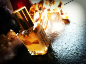 A MURDER OF CROWS ~ Cacao Absolute Honey Sandalwood Carnation Myrrh