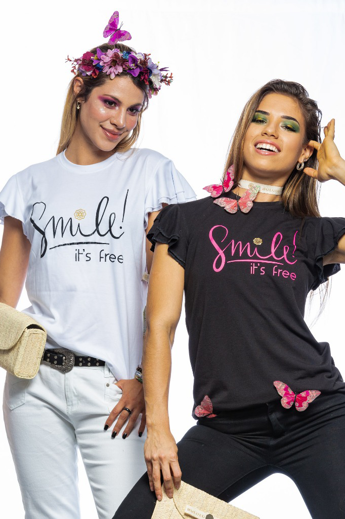 "Bell Sleeve ""Smile it's Free"" T-Shirt."