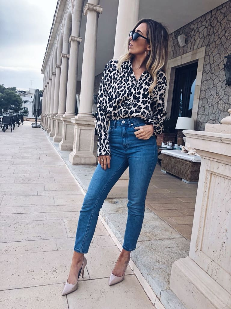Fashion Women Elegant Leopard Printed Blouse Top New Ladies Casual Workout Loose V-Neck Long Sleeve Blouse Shirt