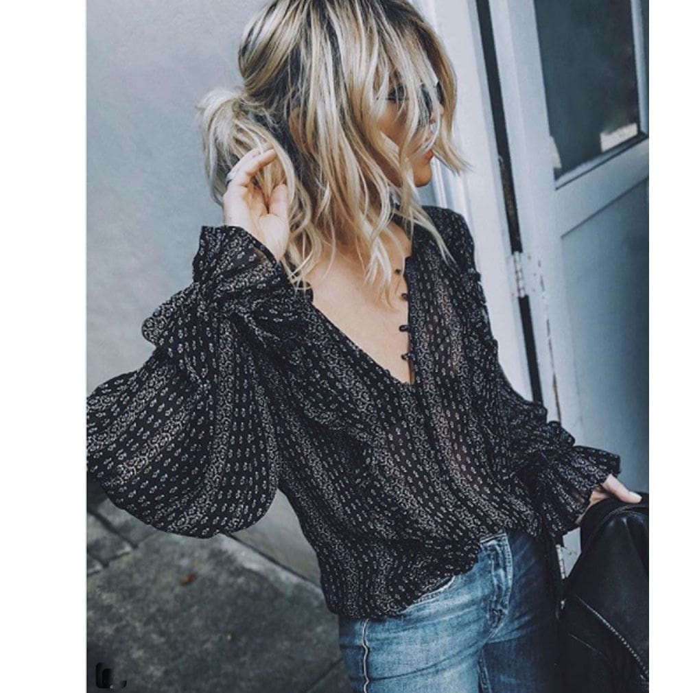 2019 Fashion Women Blouses Shirts V-Neck Long Balloon Sleeve Chiffon Translucent Shirts Black Plus Size Sexy Ladies Clothes