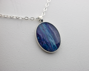 "0.75 "" x 1"" Oval Pendant Necklace in Purple/Blue"