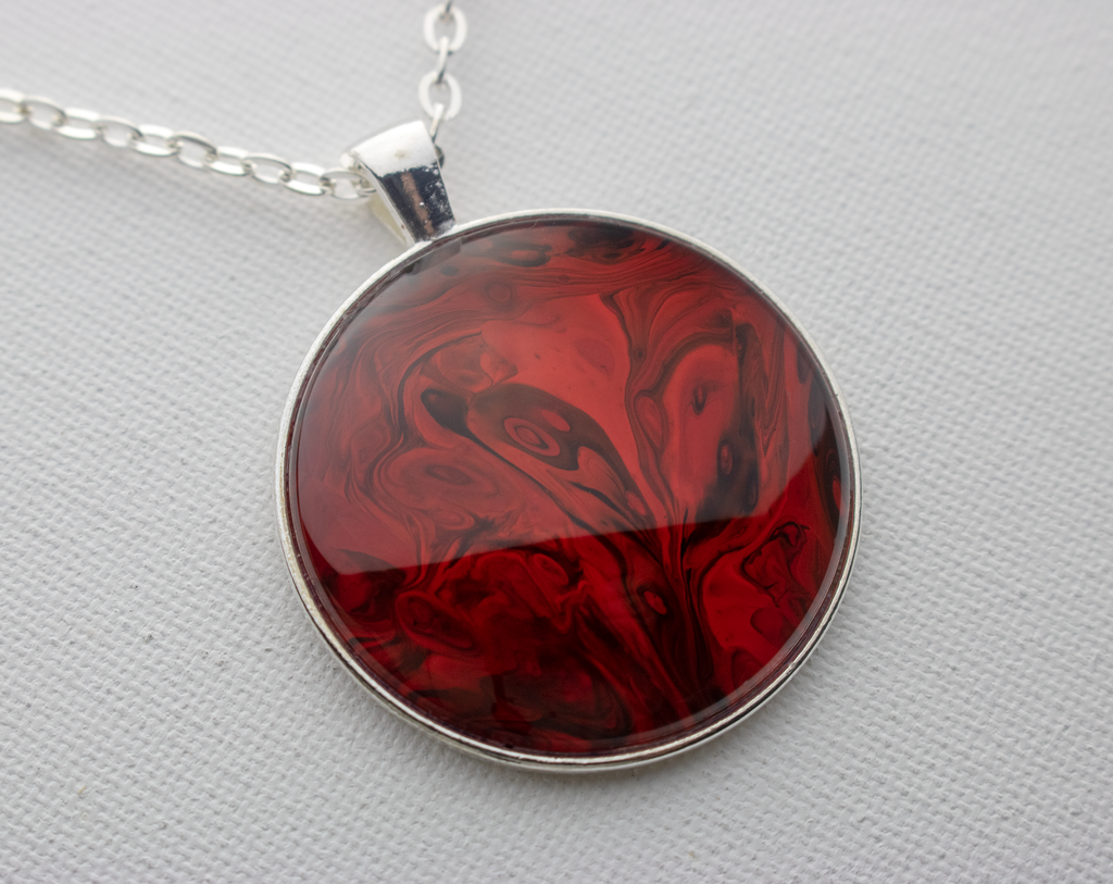 "1.5"" Round Pendant Necklace in Red"