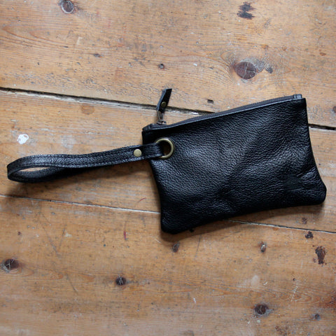 Waverley Wristlet: Black