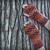 Crocodile Stitch Mini-Scale Gloves - Bonita Patterns