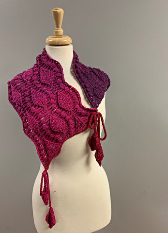 Embossed Leaves Scarflette - Bonita Patterns