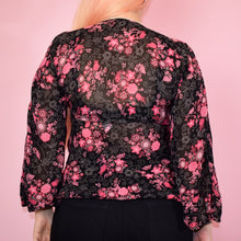 Load image into Gallery viewer, Vintage Y2k Black and Pink Floral Top Size UK8/10