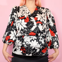 Load image into Gallery viewer, Vintage 80s Black White and Red Top Size UK14/16
