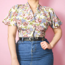 Load image into Gallery viewer, Vintage 90s Pastel Floral Blouse Size UK10