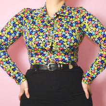 Load image into Gallery viewer, Vintage 90s does the 60s Floral Blouse Size UK8/10