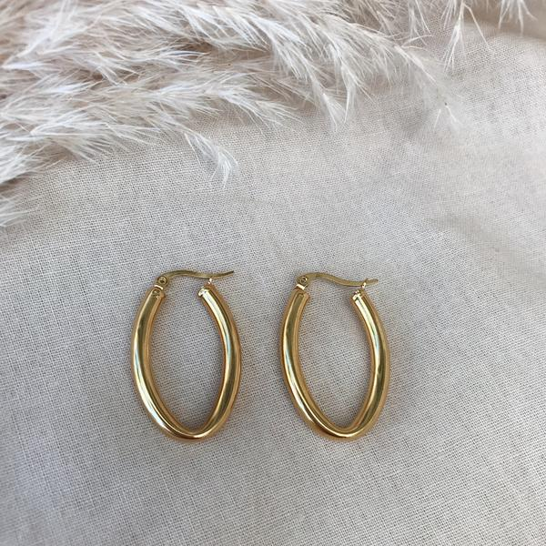Alyce Oval Hoops