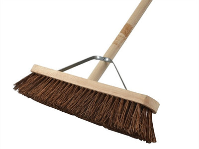 Sweeping Brush 450mm/18in Stiff Bristle Incl. Handle & Stay (FAITHFULL)