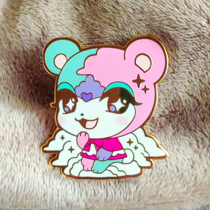 dreamy bear pin
