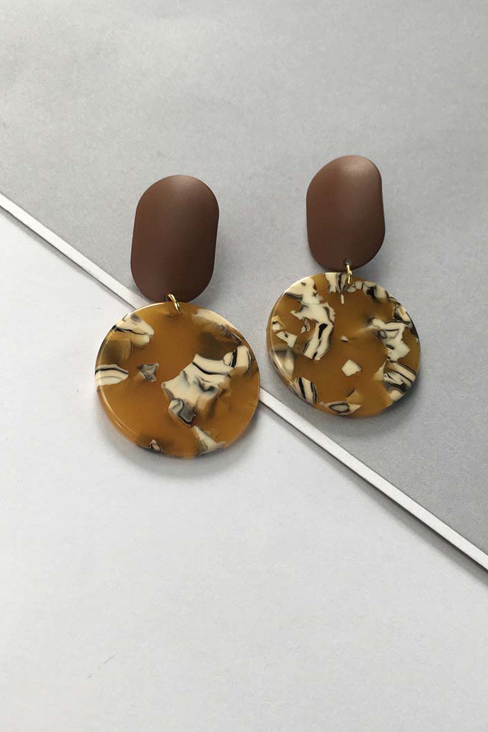 YI SU - FULL MOON EARRINGS IN METAL AND RESIN - BROWN