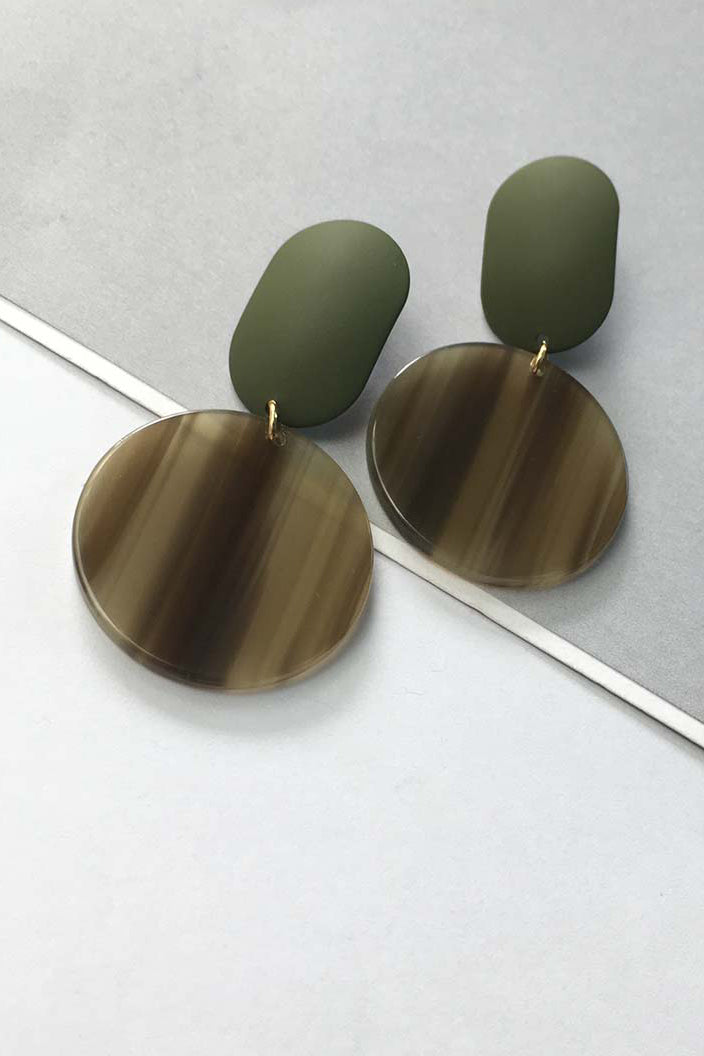 YI SU - FULL MOON EARRINGS IN METAL AND RESIN - GREEN