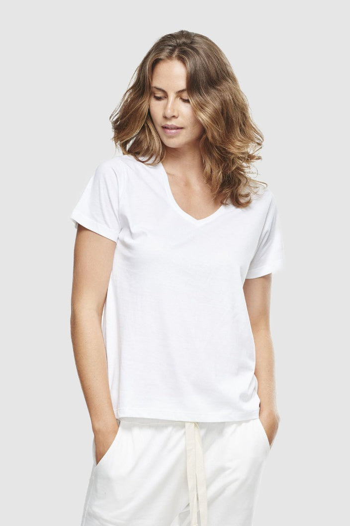 CLOTH & CO - CLASSIC V NECK TEE