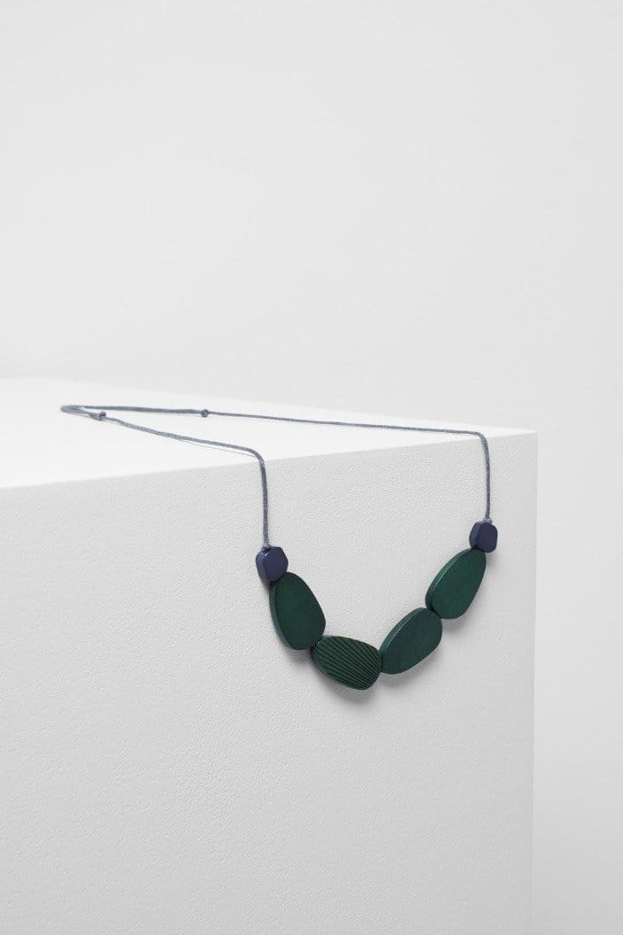ELK THE LABEL - EDA NECKLACE - CACTUS / NAVY - Tempted Kensington