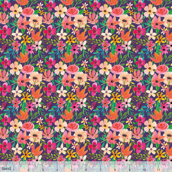Floral mixture i farven plum, t matchende stof til panelet i kollektionen Forest Friends af Mia Charro for Blend Fabrics