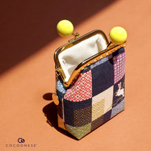 Load image into Gallery viewer, Clutch Purse - Bunny with  Checkered