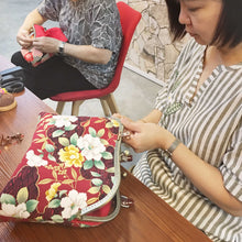 Load image into Gallery viewer, ( Oct 3 ) The Art Of Cotton Bag Making Workshop - Loop Handle Purse / Shoulder Strap Bag
