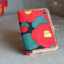 Load image into Gallery viewer, Kiss Clasp Card Holder - Camellia Japonica